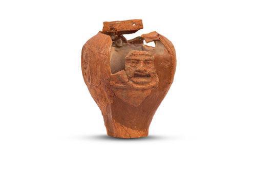 arheologija antika izložba, posuda s motivom teatarskih maski